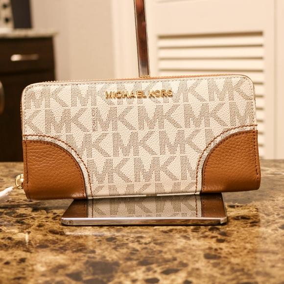 383f8e4804b3 MICHAEL Michael Kors Bags   Michael Kors Hattie Brown Wallet Vanilla ...